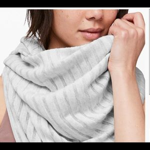 Rejuvenate scarf wrap lululemon heather core grey